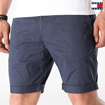 https://laboutiqueofficielle-res.cloudinary.com/image/upload/v1627651009/Desc/Watermark/3logo_tommy_jeans.svg Tommy Jeans - Short Chino Slim Scanton 1011 Bleu Marine