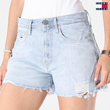 https://laboutiqueofficielle-res.cloudinary.com/image/upload/v1627651009/Desc/Watermark/3logo_tommy_jeans.svg Tommy Jeans - Short Jean Slim Femme Hotpant 0459 Bleu Denim