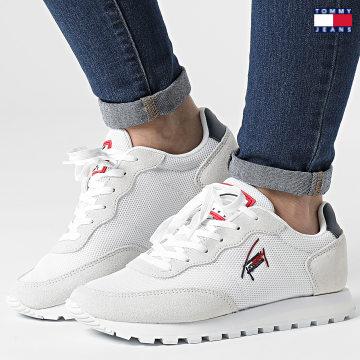 https://laboutiqueofficielle-res.cloudinary.com/image/upload/v1627651009/Desc/Watermark/3logo_tommy_jeans.svg Tommy Jeans - Baskets Femme Casual Runner 1419 Red White Blue