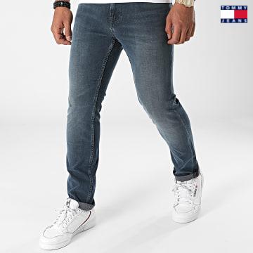 https://laboutiqueofficielle-res.cloudinary.com/image/upload/v1627651009/Desc/Watermark/3logo_tommy_jeans.svg Tommy Jeans - Jean Slim Scanton 0783 Bleu Denim