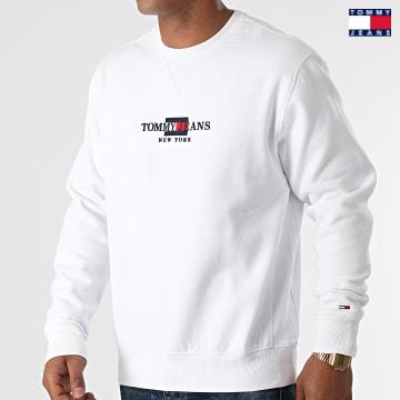 https://laboutiqueofficielle-res.cloudinary.com/image/upload/v1627651009/Desc/Watermark/3logo_tommy_jeans.svg Tommy Jeans - Sweat Crewneck TJM Timeless 0912 Blanc
