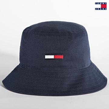https://laboutiqueofficielle-res.cloudinary.com/image/upload/v1627651009/Desc/Watermark/3logo_tommy_jeans.svg Tommy Jeans - Bob Flag Bucket 7525 Bleu Marine