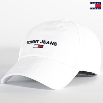 https://laboutiqueofficielle-res.cloudinary.com/image/upload/v1627651009/Desc/Watermark/3logo_tommy_jeans.svg Tommy Jeans - Casquette Sport Cap 7527 Blanc