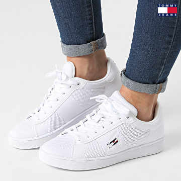 https://laboutiqueofficielle-res.cloudinary.com/image/upload/v1627651009/Desc/Watermark/3logo_tommy_jeans.svg Tommy Jeans - Baskets Femme Knitted Cupsole 1497 White