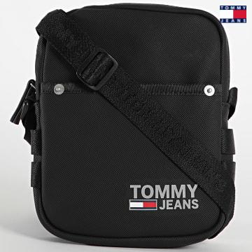 https://laboutiqueofficielle-res.cloudinary.com/image/upload/v1627651009/Desc/Watermark/3logo_tommy_jeans.svg Tommy Jeans - Sacoche Campus Reporter 7505 Noir