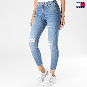 https://laboutiqueofficielle-res.cloudinary.com/image/upload/v1627651009/Desc/Watermark/3logo_tommy_jeans.svg Tommy Jeans - Jean Skinny Femme Sylvia 0304 Bleu Denim