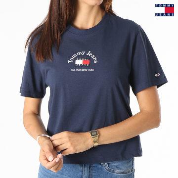 https://laboutiqueofficielle-res.cloudinary.com/image/upload/v1627651009/Desc/Watermark/3logo_tommy_jeans.svg Tommy Jeans - Tee Shirt Femme Crop Timeless Tommy 0417 Bleu Marine