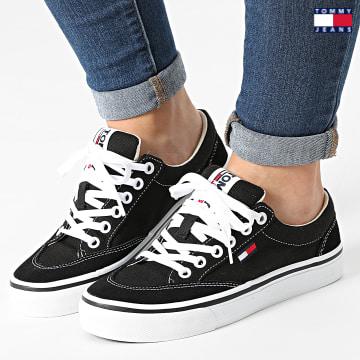 https://laboutiqueofficielle-res.cloudinary.com/image/upload/v1627651009/Desc/Watermark/3logo_tommy_jeans.svg Tommy Jeans - Baskets Femme Low Cut Sneaker 1420 Noir