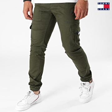 https://laboutiqueofficielle-res.cloudinary.com/image/upload/v1627651009/Desc/Watermark/3logo_tommy_jeans.svg Tommy Jeans - Jogger Pant Slim Scanton 9660 Vert Kaki