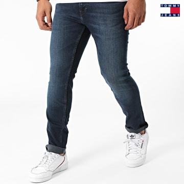 https://laboutiqueofficielle-res.cloudinary.com/image/upload/v1627651009/Desc/Watermark/3logo_tommy_jeans.svg Tommy Jeans - Jean Slim Scanton 0803 Bleu Brut