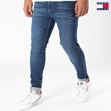 https://laboutiqueofficielle-res.cloudinary.com/image/upload/v1627651009/Desc/Watermark/3logo_tommy_jeans.svg Tommy Jeans - Jean Skinny Miles 0822 Bleu Denim