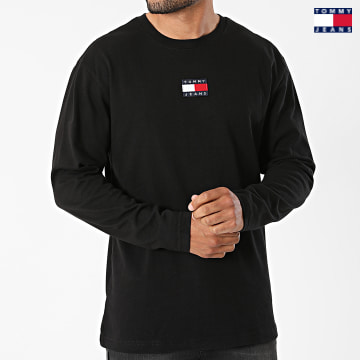 https://laboutiqueofficielle-res.cloudinary.com/image/upload/v1627651009/Desc/Watermark/3logo_tommy_jeans.svg Tommy Jeans - Tee Shirt Manches Longues Tommy Badge 0932 Noir