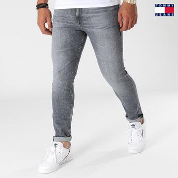 https://laboutiqueofficielle-res.cloudinary.com/image/upload/v1627651009/Desc/Watermark/3logo_tommy_jeans.svg Tommy Jeans - Jean Skinny Simon 0782 Gris