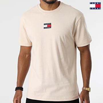 https://laboutiqueofficielle-res.cloudinary.com/image/upload/v1627651009/Desc/Watermark/3logo_tommy_jeans.svg Tommy Jeans - Tee Shirt Tommy Badge 0925 Beige