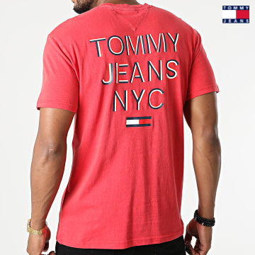 https://laboutiqueofficielle-res.cloudinary.com/image/upload/v1627651009/Desc/Watermark/3logo_tommy_jeans.svg Tommy Jeans - Tee Shirt NYC 3D Text 0948 Rouge