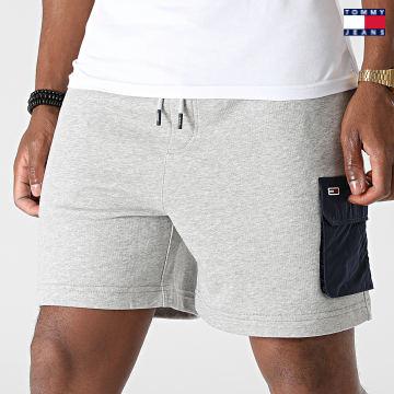 https://laboutiqueofficielle-res.cloudinary.com/image/upload/v1627651009/Desc/Watermark/3logo_tommy_jeans.svg Tommy Jeans - Short Jogging Fabric Mix 0960 Gris Chiné