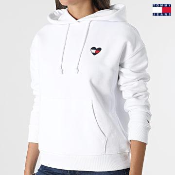 https://laboutiqueofficielle-res.cloudinary.com/image/upload/v1627651009/Desc/Watermark/3logo_tommy_jeans.svg Tommy Jeans - Sweat Capuche Femme Homespun Heart 10395 Blanc