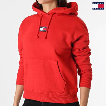 https://laboutiqueofficielle-res.cloudinary.com/image/upload/v1627651009/Desc/Watermark/3logo_tommy_jeans.svg Tommy Jeans - Sweat Capuche Femme Center Badge 0403 Rouge