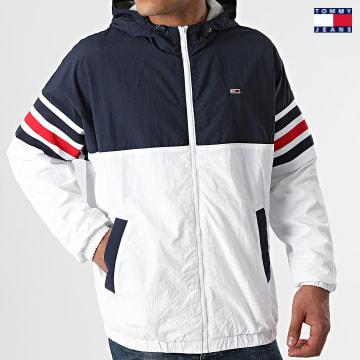 https://laboutiqueofficielle-res.cloudinary.com/image/upload/v1627651009/Desc/Watermark/3logo_tommy_jeans.svg Tommy Jeans - Veste Zippée Capuche Colorblock 1002 Blanc Bleu Marine