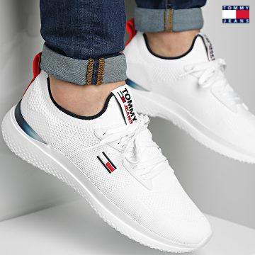 https://laboutiqueofficielle-res.cloudinary.com/image/upload/v1627651009/Desc/Watermark/3logo_tommy_jeans.svg Tommy Jeans - Baskets Lightweight Modern Runner 0723 White