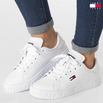 https://laboutiqueofficielle-res.cloudinary.com/image/upload/v1627651009/Desc/Watermark/3logo_tommy_jeans.svg Tommy Jeans - Baskets Femme Cool Tommy Jeans Sneaker 1616 White