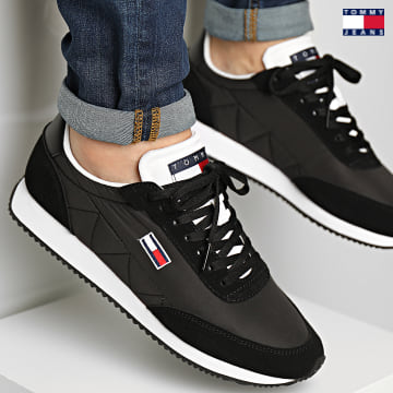 https://laboutiqueofficielle-res.cloudinary.com/image/upload/v1627651009/Desc/Watermark/3logo_tommy_jeans.svg Tommy Jeans - Baskets Retro Low Runner Mix 0814 Black