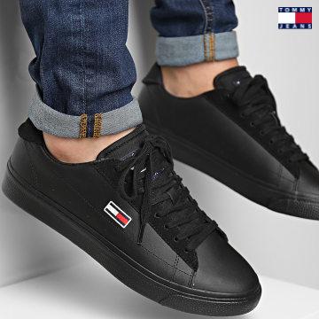 https://laboutiqueofficielle-res.cloudinary.com/image/upload/v1627651009/Desc/Watermark/3logo_tommy_jeans.svg Tommy Jeans - Baskets Retro Vulcanized Leather 0840 Black