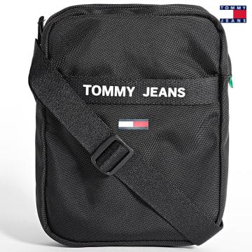 https://laboutiqueofficielle-res.cloudinary.com/image/upload/v1627651009/Desc/Watermark/3logo_tommy_jeans.svg Tommy Jeans - Sacoche Essential Reporter 7768 Noir