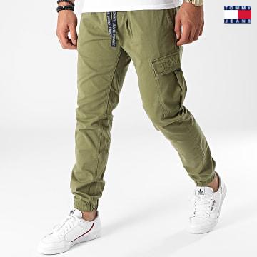 https://laboutiqueofficielle-res.cloudinary.com/image/upload/v1627651009/Desc/Watermark/3logo_tommy_jeans.svg Tommy Jeans - Jogger Pant Slim Scanton 1246 Vert Kaki