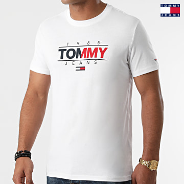 https://laboutiqueofficielle-res.cloudinary.com/image/upload/v1627651009/Desc/Watermark/3logo_tommy_jeans.svg Tommy Jeans - Tee Shirt Essential Graphic 1600 Blanc