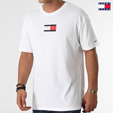 https://laboutiqueofficielle-res.cloudinary.com/image/upload/v1627651009/Desc/Watermark/3logo_tommy_jeans.svg Tommy Jeans - Tee Shirt Vintage Flag Print 1610 Ecru