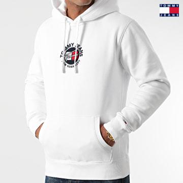 https://laboutiqueofficielle-res.cloudinary.com/image/upload/v1627651009/Desc/Watermark/3logo_tommy_jeans.svg Tommy Jeans - Sweat Capuche Timeless 2 1628 Blanc