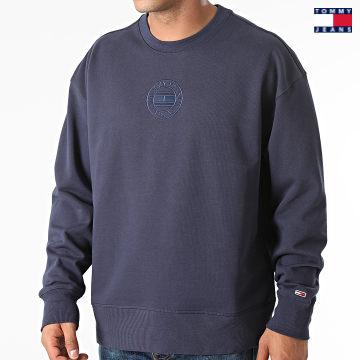 https://laboutiqueofficielle-res.cloudinary.com/image/upload/v1627651009/Desc/Watermark/3logo_tommy_jeans.svg Tommy Jeans - Sweat Crewneck Tonal Circular Graphic 1634 Bleu Marine