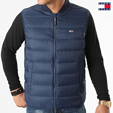 https://laboutiqueofficielle-res.cloudinary.com/image/upload/v1627651009/Desc/Watermark/3logo_tommy_jeans.svg Tommy Jeans - Doudoune Sans Manches Packable Light 0964 Bleu Marine