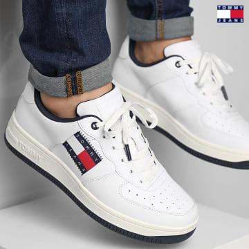 https://laboutiqueofficielle-res.cloudinary.com/image/upload/v1627651009/Desc/Watermark/3logo_tommy_jeans.svg Tommy Jeans - Baskets Cupsole Logo 0810 White