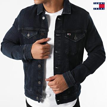https://laboutiqueofficielle-res.cloudinary.com/image/upload/v1627651009/Desc/Watermark/3logo_tommy_jeans.svg Tommy Jeans - Veste Jean Regular Trucker 1567 Bleu Brut