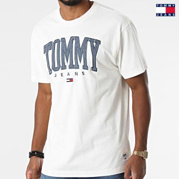 https://laboutiqueofficielle-res.cloudinary.com/image/upload/v1627651009/Desc/Watermark/3logo_tommy_jeans.svg Tommy Jeans - Tee Shirt Collegiate 2550 Ecru