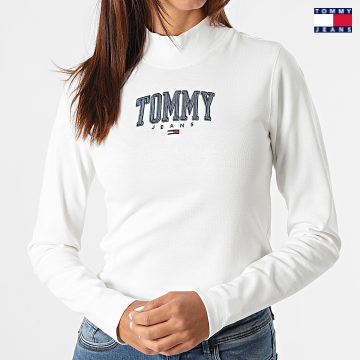 https://laboutiqueofficielle-res.cloudinary.com/image/upload/v1627651009/Desc/Watermark/3logo_tommy_jeans.svg Tommy Jeans - Tee Shirt Manches Longues Femme Cropped Baby Rib 2112 Blanc