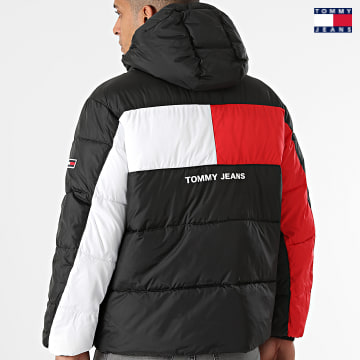 https://laboutiqueofficielle-res.cloudinary.com/image/upload/v1627651009/Desc/Watermark/3logo_tommy_jeans.svg Tommy Jeans - Doudoune Capuche Flag Puffer 2170 Noir
