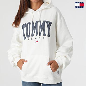 https://laboutiqueofficielle-res.cloudinary.com/image/upload/v1627651009/Desc/Watermark/3logo_tommy_jeans.svg Tommy Jeans - Sweat Capuche Femme Collegiate 2102 Blanc