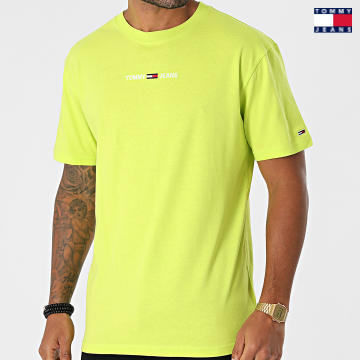 https://laboutiqueofficielle-res.cloudinary.com/image/upload/v1627651009/Desc/Watermark/3logo_tommy_jeans.svg Tommy Jeans - Tee Shirt Small Text 9701 Vert Anis