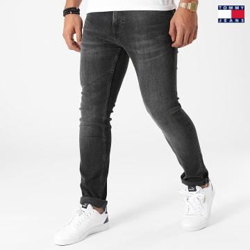 https://laboutiqueofficielle-res.cloudinary.com/image/upload/v1627651009/Desc/Watermark/3logo_tommy_jeans.svg Tommy Jeans - Jean Slim Scanton 1143 Gris Anthracite
