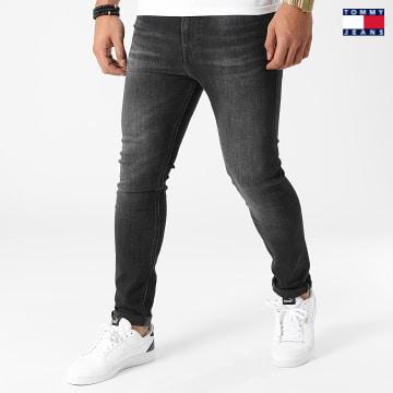 https://laboutiqueofficielle-res.cloudinary.com/image/upload/v1627651009/Desc/Watermark/3logo_tommy_jeans.svg Tommy Jeans - Jean Skinny Simon 1144 Gris Anthracite