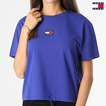https://laboutiqueofficielle-res.cloudinary.com/image/upload/v1627651009/Desc/Watermark/3logo_tommy_jeans.svg Tommy Jeans - Tee Shirt Femme Center Badge 0404 Bleu Roi