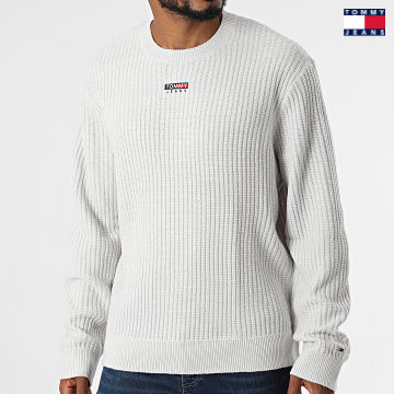 https://laboutiqueofficielle-res.cloudinary.com/image/upload/v1627651009/Desc/Watermark/3logo_tommy_jeans.svg Tommy Jeans - Pull Structured Graphic 1362 Blanc