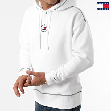 https://laboutiqueofficielle-res.cloudinary.com/image/upload/v1627651009/Desc/Watermark/3logo_tommy_jeans.svg Tommy Jeans - Sweat Capuche Tiny Tommy Circular 1723 Blanc
