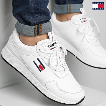 https://laboutiqueofficielle-res.cloudinary.com/image/upload/v1627651009/Desc/Watermark/3logo_tommy_jeans.svg Tommy Jeans - Baskets Flexi Leather Runner 0818 White
