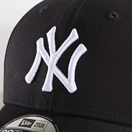 New Era - Casquette 39 Thirty League Basic New York Yankees 10145636 Bleu Marine Blanc