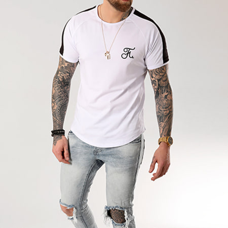 Final Club - Tee Shirt Premium Fit Avec Bande Et Broderie 039 Blanc