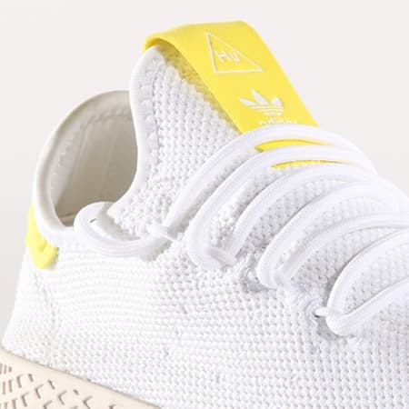 adidas Baskets Femme Tennis HU Pharrell Williams BD7769